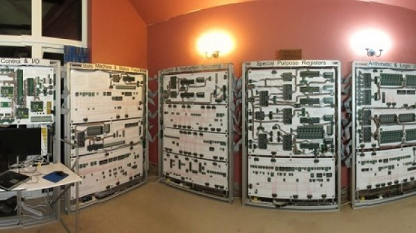 گالری عکس: پردازندهای که به اندازه یک اتاق است!