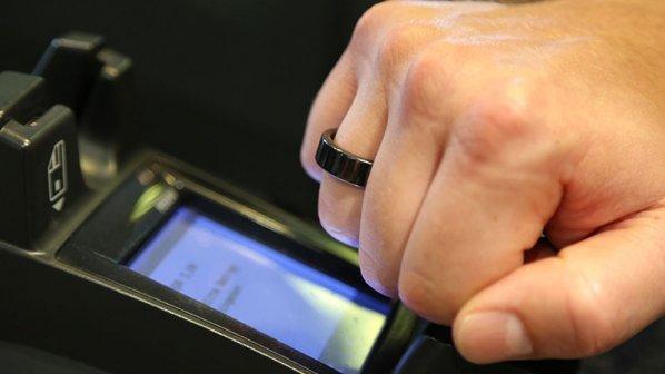 بهجای کارت با حلقه دور انگشتتان خرید کنید!