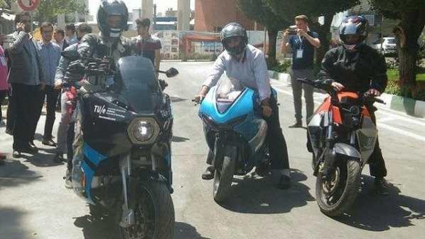 با این موتورسیکلت برقی دور دنیا را در ۸۰ روز طی کنید!