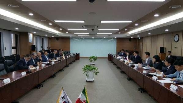 جلسه وزیر ارتباطات با بزرگترین اپراتور مخابراتی کره جنوبی