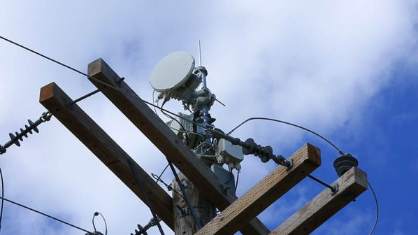 تماشا کنید: اینترنت پرسرعت بیسیم با استفاده از دکلهای برق
