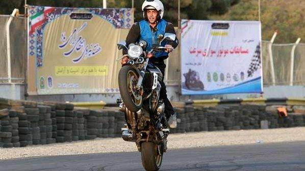 گالری عکس: تصاویر ششمین دوره مسابقات موتورسواری سرعت تهران