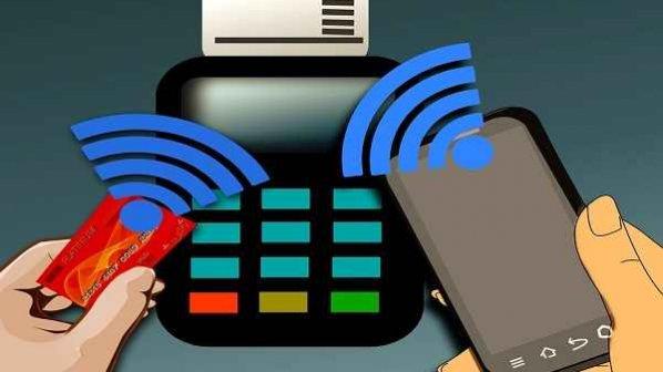 ماهنامه شبکه: ارائه خدمات بانکداری و پرداخت الکترونیک بر بستر موبایل امکانپذیر شد