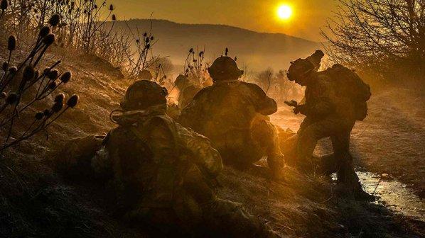 گالری عکس: بهترین عکسهای جنگ سال ۲۰۱۶