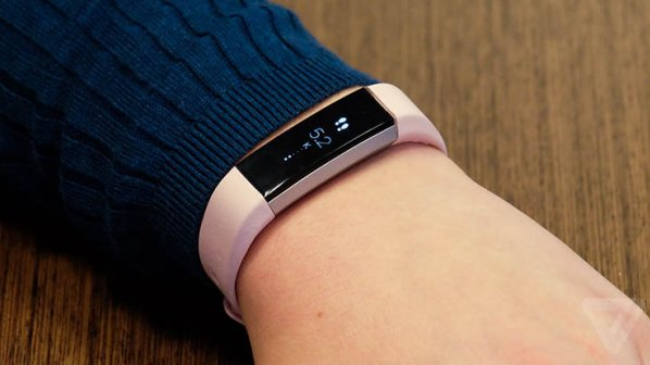 Fitbit Alta؛ یک بار شارژ کنید، شش روز استفاده کنید!