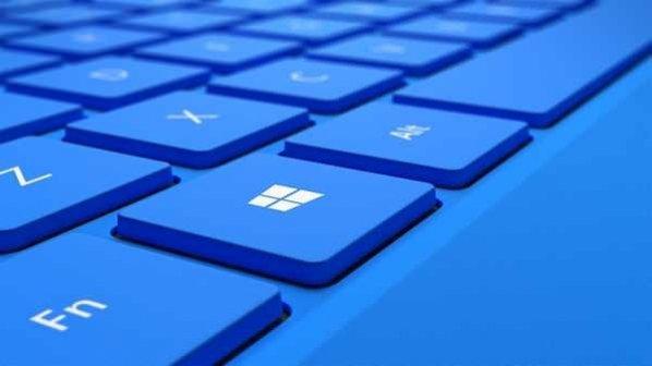 موقع بهروزرسانی ویندوز 10 از پشت کامپیوتر بلند نشوید!