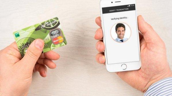 نوآوری جدید مسترکارت: سلفی بگیرید و آنلاین پرداخت کنید!