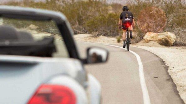 چراغی که جان دوچرخهسوارها را نجات میدهد