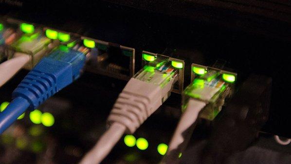 وزارت ارتباطات: کاربران برای قطعی اینترنت با اپراتور خود تماس بگیرند