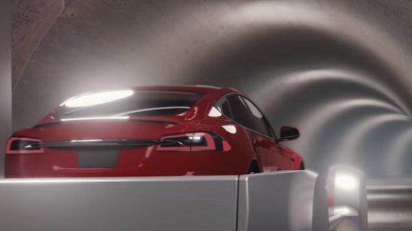 تماشا کنید: تست اولیه تونل فرار از ترافیک ایلان ماسک