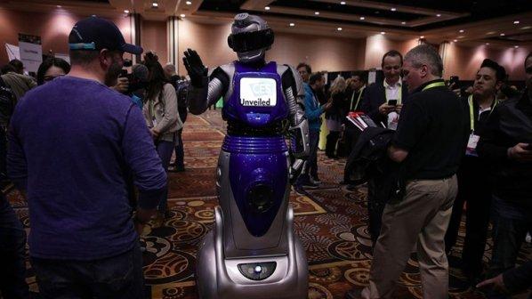 روباتها باعث بیکاری 7.5 میلیون کارگر شاغل در خردهفروشیها میشوند