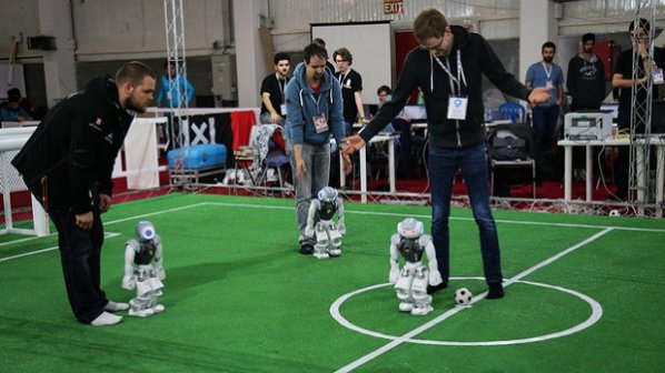 رباتهای ایرانی با دست پر از مسابقات روبوکاپ ژاپن برمیگردند