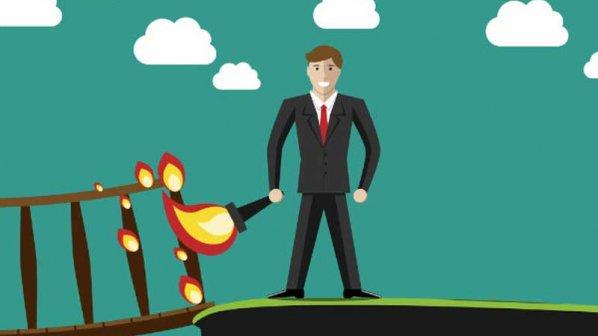 آمادهاید شغل خود را ترک کنید؟ لطفا پلهای پشت سرتان را خراب نکنید