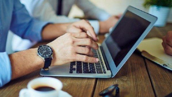 اگر کارآفرین هستید یا در جستجوی شغل، همین حالا نام خود را در گوگل جستجو کنید