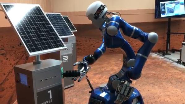 انسان یا روبات، کدامیک بر سطح مریخ قدم میگذارند؟