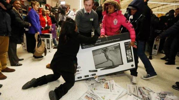 جمعه سیاه چیست و برای خردهفروشیها چه معنایی میدهد؟
