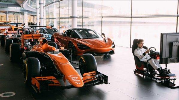 مدیر فروش هلندی، راننده شبیهساز فرمول یک شد