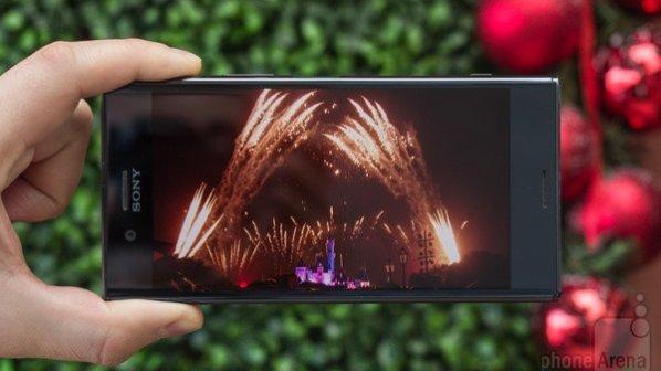 آموزش عکسبرداری: چگونه با گوشی از آتشبازی عکس حرفهای بگیریم؟