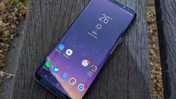 اگر پرچمداران سامسونگ گران هستند، گوشی S9 ارزان هم در راه است!