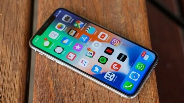 چرا آیفون 10 (ایکس) از تمام گوشیهای اندرویدی موجود بهتر است؟