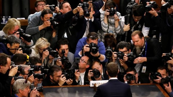 مدیرعامل فیسبوک: مسئولیت همه اتفاقاتی که رخ داده با من است
