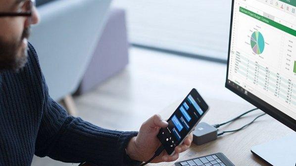 اگر میخواهید از گوشی بهعنوان کامپیوتر اصلی استفاده کنید، دستگاه اندرویدی بخرید