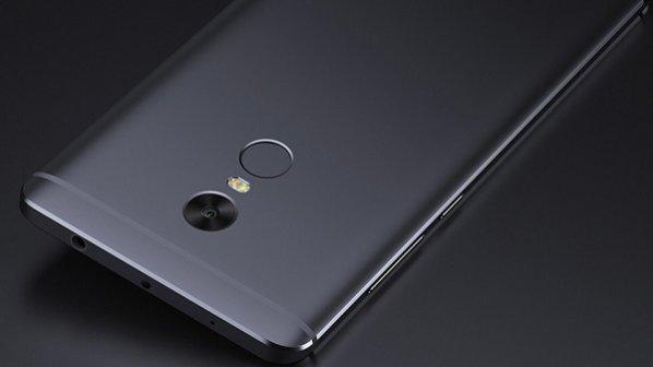 راهنمای خرید یک میلیونی: پانزده گوشی برای خرید +یک گوشی برای نخریدن!