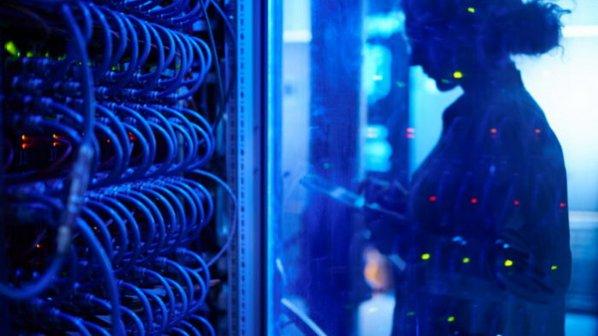 شبکه مرکز داده نرم افزار محور چیست و چگونه میتوان آن را برنامه ریزی کرد