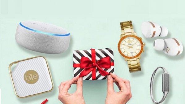 11 هدیه که بیشتر از هر چیز خانمها را هیجان زده میکند