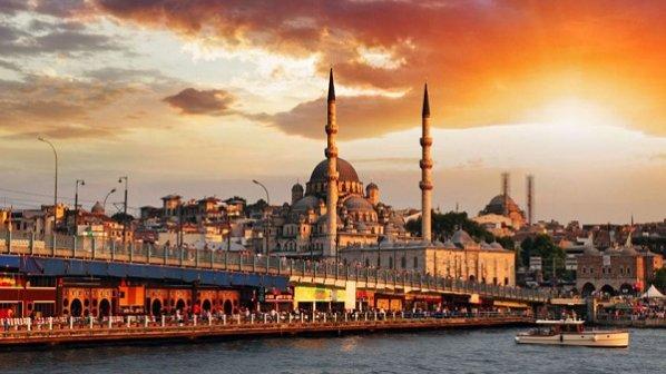 راهنمای جامع سفر به استانبول را در اینجا بخوانید