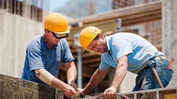افزایش حقوق 400 هزار تومانی برای کارمندان و بازنشستگان است نه کارگران