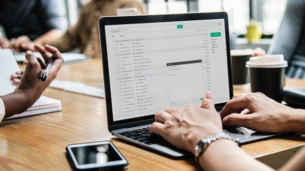 چگونه تمام پیامکهای اندروید و iOS را روی کامپیوتر دریافت یا ارسال کنیم