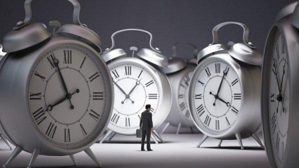 باید زمان را مدیریت کنیم یا خودمان را؟
