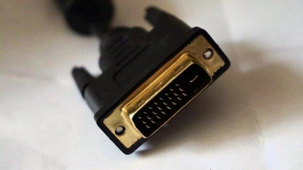 چگونه VGA را به DVI و DVI را به VGA تبدیل کنیم