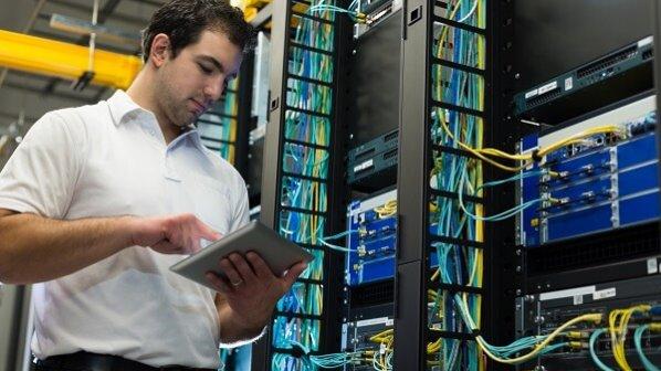 چرا یادگیری برنامهنویسی برای مهندسان شبکه یک ضرورت است؟