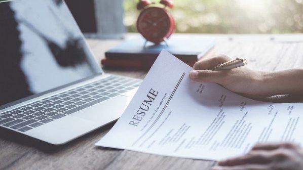30 قانون طلایی رزومهنویسی که شانس شما برای استخدام را دوچندان میکنند