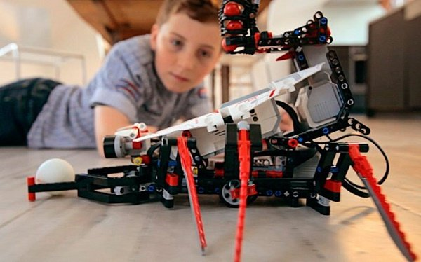 3- Lego Mindstorms