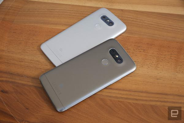الجی جی 5: جسورانهترین گوشی پرچمدار الجی + گالری عکس | شبکهال  جی می  گوید این بخش همیشه روشن در هر ساعت تنها 0.8 درصد باتری مصرف می  کند.