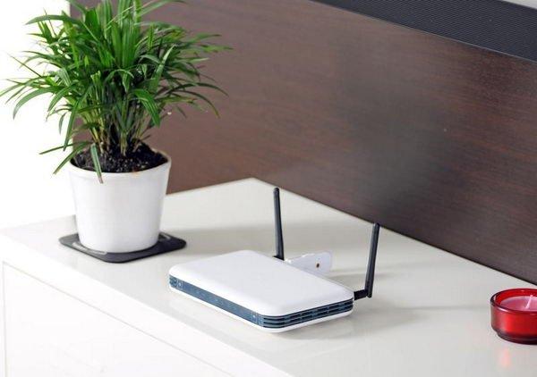 ده روش ساده افزایش سرعت شبکههای وایفای خانگی shutterstock 42492280