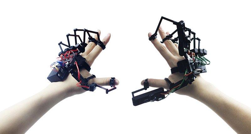 ارتباط فیزیکی با محیط مجازی