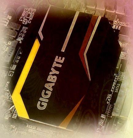 بررسی اختصاصی مادربرد X99-UD7 WiFi گیگابایت؛ انتخاب مدیران شبکه و اتاقهای سرور