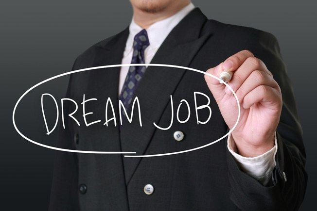 سه توصیه به افرادی که از شغلشان متنفر اما به شرکتشان علاقهمنداند!