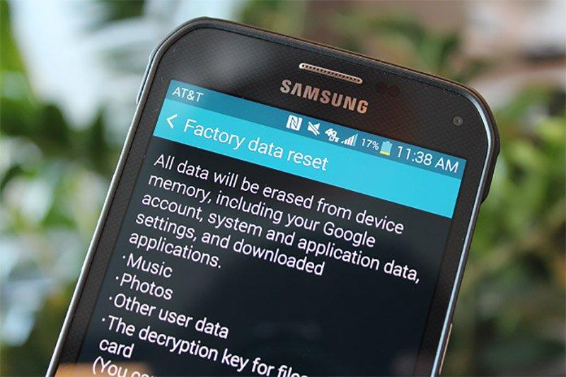 چگونه پیش از فروش گوشی اطلاعات آن را کاملا حذف کنیم؟