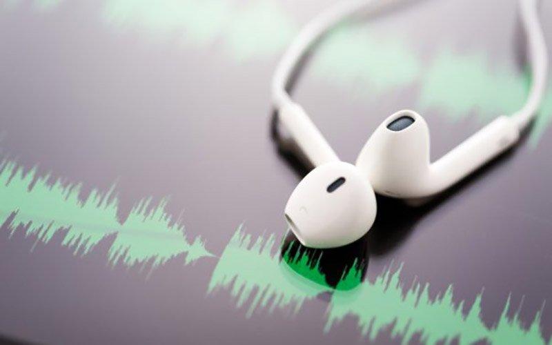 ۵ پادکست موفقیتی که باید این روزها گوش کنید + لینک دانلود