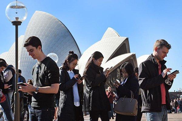 چرا در استرالیا سرعت اینترنت پایین است؟