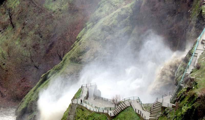 مرگ یک جوان بوکانی به خاطر سلفی با آبشار