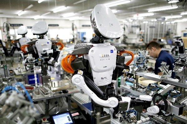 چین در حال ساخت ارتشی از روباتهای کارگر است