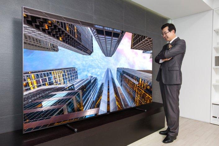 تلویزیون فوقبزرگ 88 اینچی QLED سامسونگ وارد بازار میشود