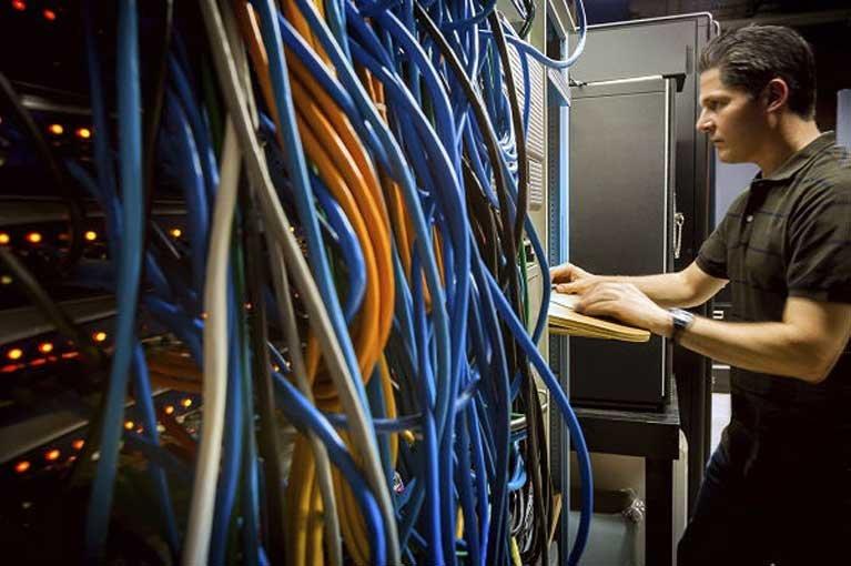 برای آن که یک متخصص بهتر شبکه شوید، نیاز به تحصیلات ندارید