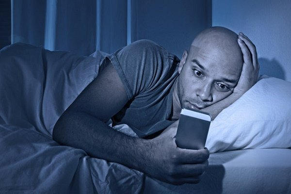 چه عواملی مانع آرامش ما در خواب میشوند؟